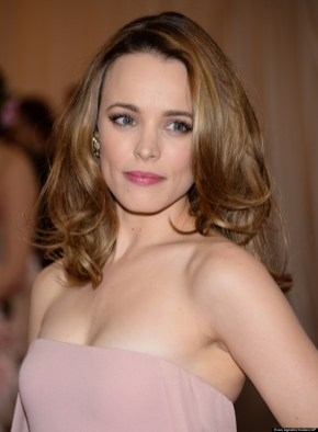 """Rachel McAdams attends The Metropolitan Museum of Art's Costume Institute benefit gala celebrating """"Charles James: Beyond Fashion"""" on Monday, May 5, 2014, in New York. (Photo by Evan Agostini/Invision/AP)"""