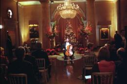 "Airdate: Wednesday, December 13 on NBC (9-10 p.m. ET) THE WEST WING -- NBC Series -- ""Noel"" -- Pictured: (center) Yo-Yo Ma as himself -- LEGENDARY CELLIST YO-YO MA GRACES THE WEST WING IN WHITE HOUSE CHRISTMAS RECITAL -- Warner Bros. Photo"