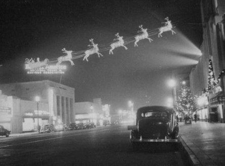 Santa and his reindeer on Main Street 1940s