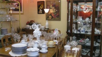 Collectibles - Art, Glassware, Dishes, and Porcelain Figurines