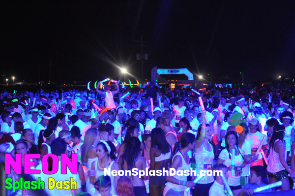 Neon Splash Dash Race