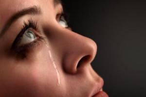 woman in depression crying