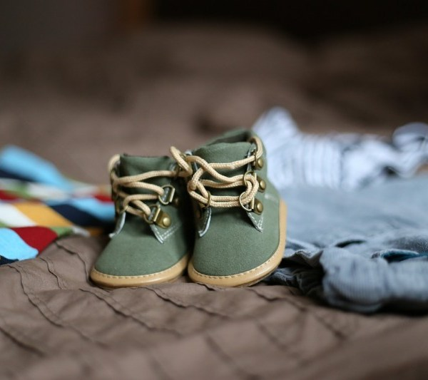 green baby shoes