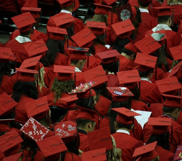 The Pros and Cons of Moving Home After Graduation