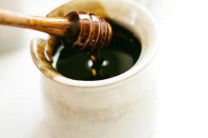 honey dipper in a jar food to be beautiful