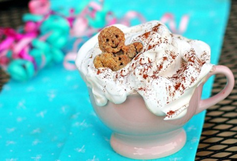 gingerbread spice latte winter holiday drinks