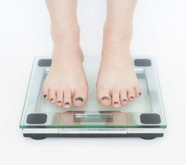 15 Proven Tips to Lose Weight Faster (& Safely)