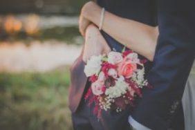 wedding planning steps bride and groom