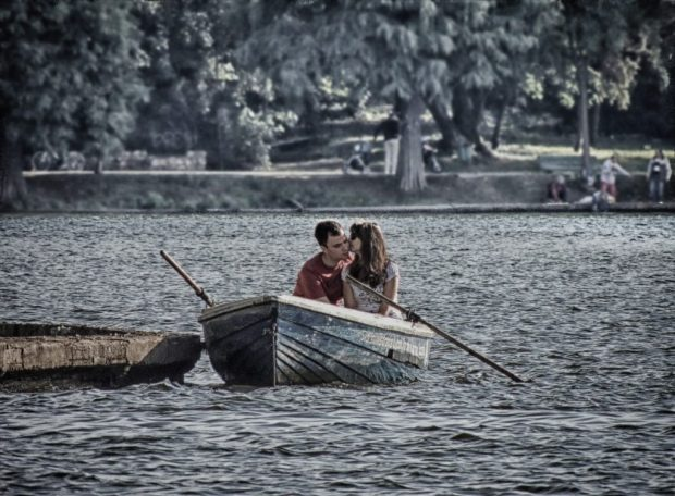 first date ideas boating