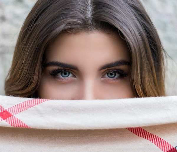 Your Guide To Effectively Treating Under Eye Bags And Crow's Feet