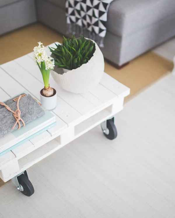 How to Spruce Up Your Rented Pad Without Breaking The Rules