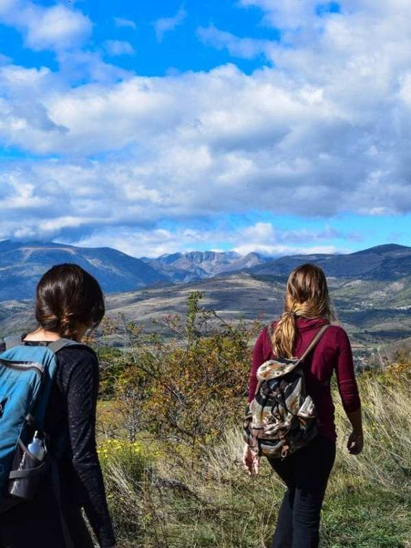 What are the Best Places for Millennials to Hike on a Budget?