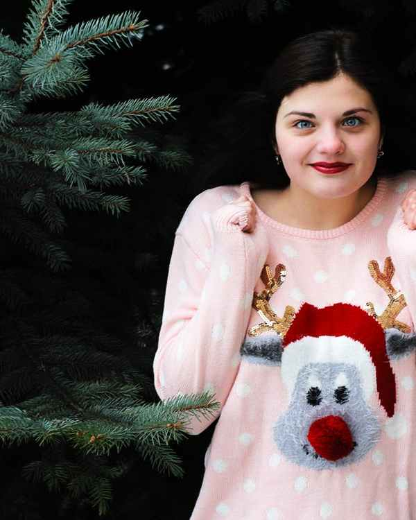 How to Create a Bomb DIY Ugly Sweater For The Holidays