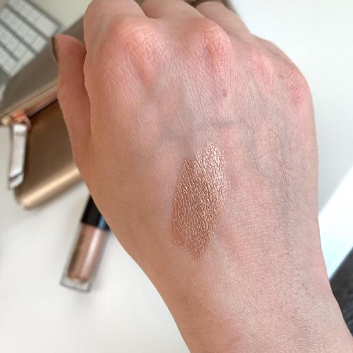 MAC Dazzleshadow Liquid Beam Swatch