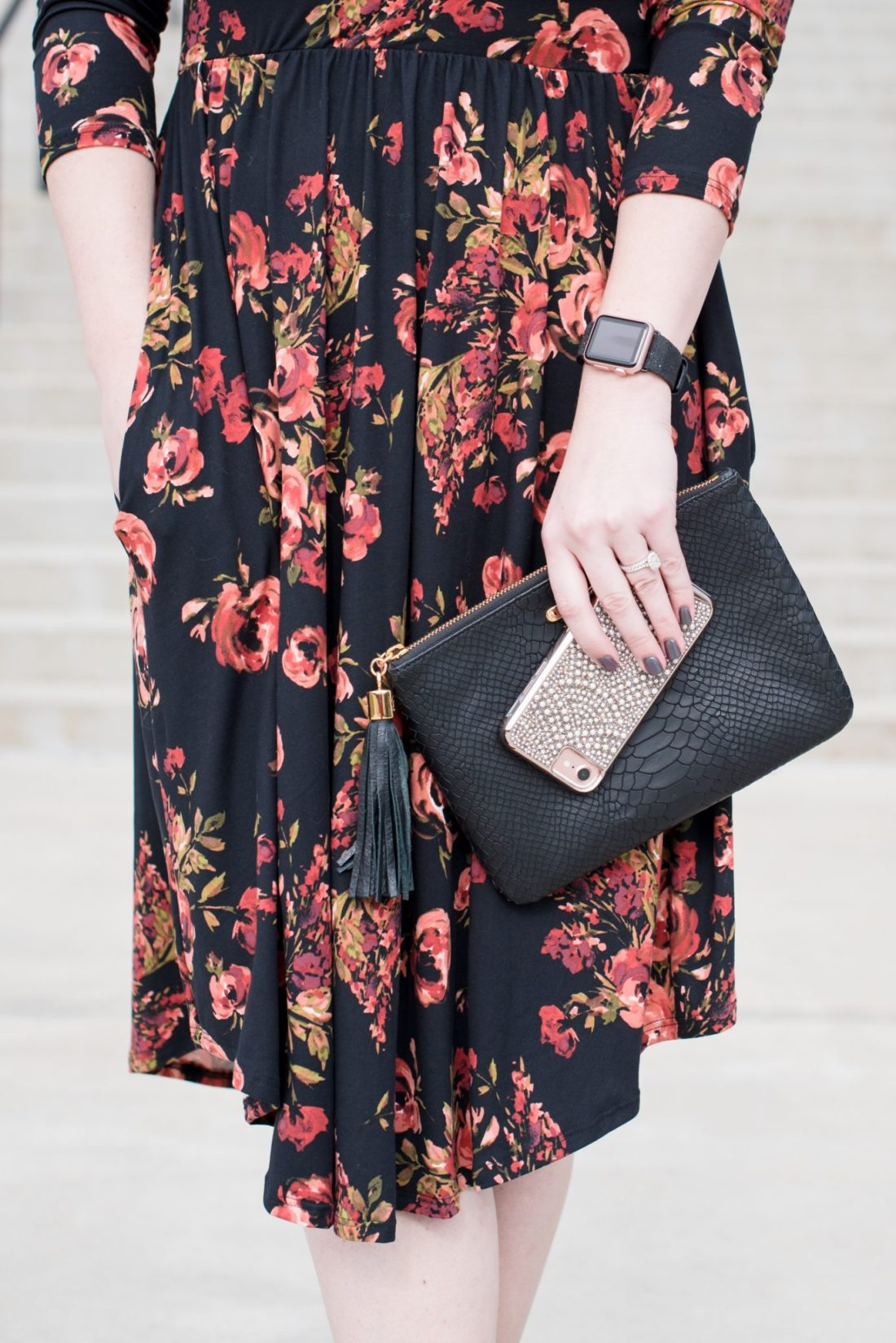 Winter Floral Midi Dress for Galentine's Day via @missmollymoon