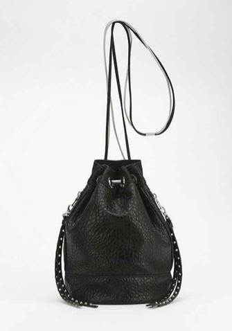 Deena & Ozzy Splinter Chain Bucket Bag - Urban Outfitters 2014-07-26 13-32-39
