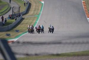 Startversuche der Moto2 Piloten