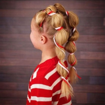 Christmas hairstyle for little girls