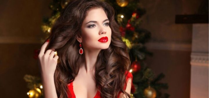 Cute Christmas hairstyles that are easy to make at home this year