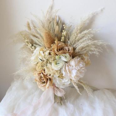 Dusty Rose Pampas Grass bouquet