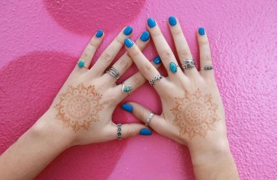 Easy mandala henna tattoo with stickers for kids