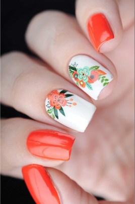 Etnic floral medium size manicure