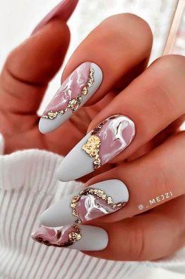 Glamorous marble nails design