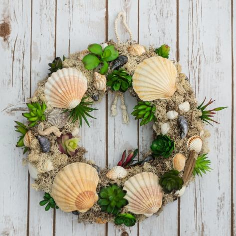 Large sea shell summer wreath