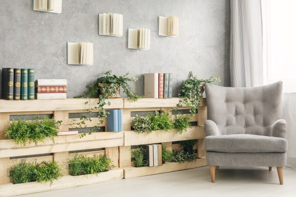 Make an indoor vertical garden with recycled wood pallets