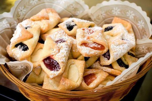 Mini-Polish Kifli Cookies with chocolate, jam and cinnamon