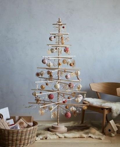 Minimalist Wooden Christmas tree decor