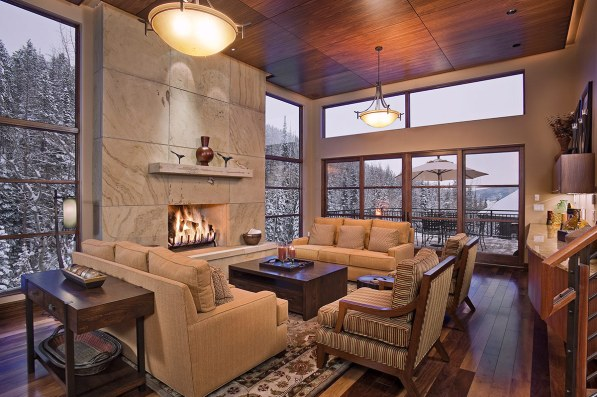 Modern mountain cabin with open fireplace