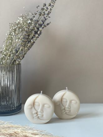 Moon face decorative soy candle