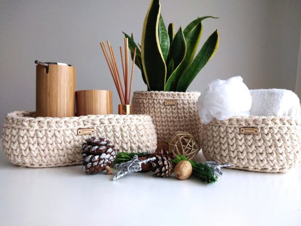 Natural crochet display tray