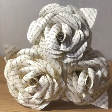 Paper flowers craft ideas for home decor. Paper flowers with song lyrics