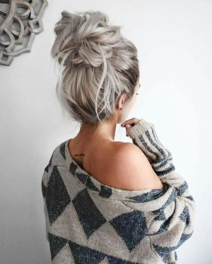 Simple Christmas hairstyle
