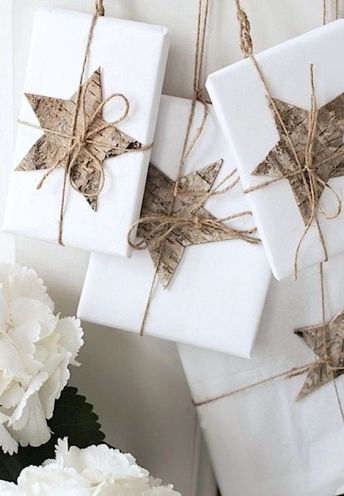 White paper gift wrapping will always be trendy