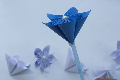 a full paper flower is ready