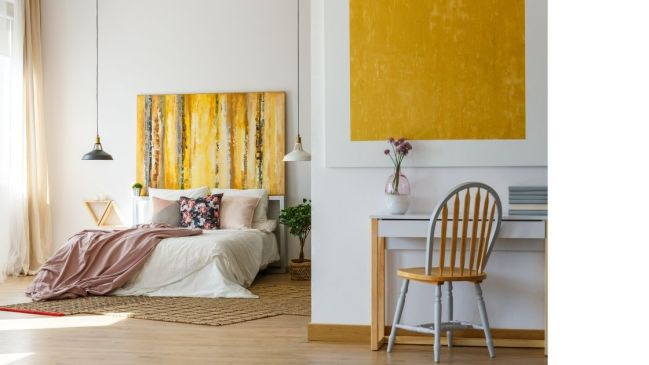 For those who love art this is the perfect bedroom decor inspiration