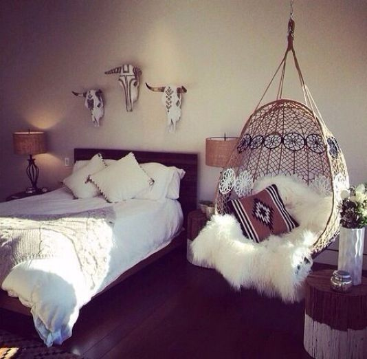 boho bedroom decor. boho swinging chair for a cosy bedroom