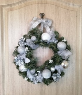 Small New Years Holiday Wreath
