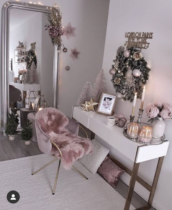 luxury pink bedroom for teenager. Teenager Pink bedroom and large vanity mirror