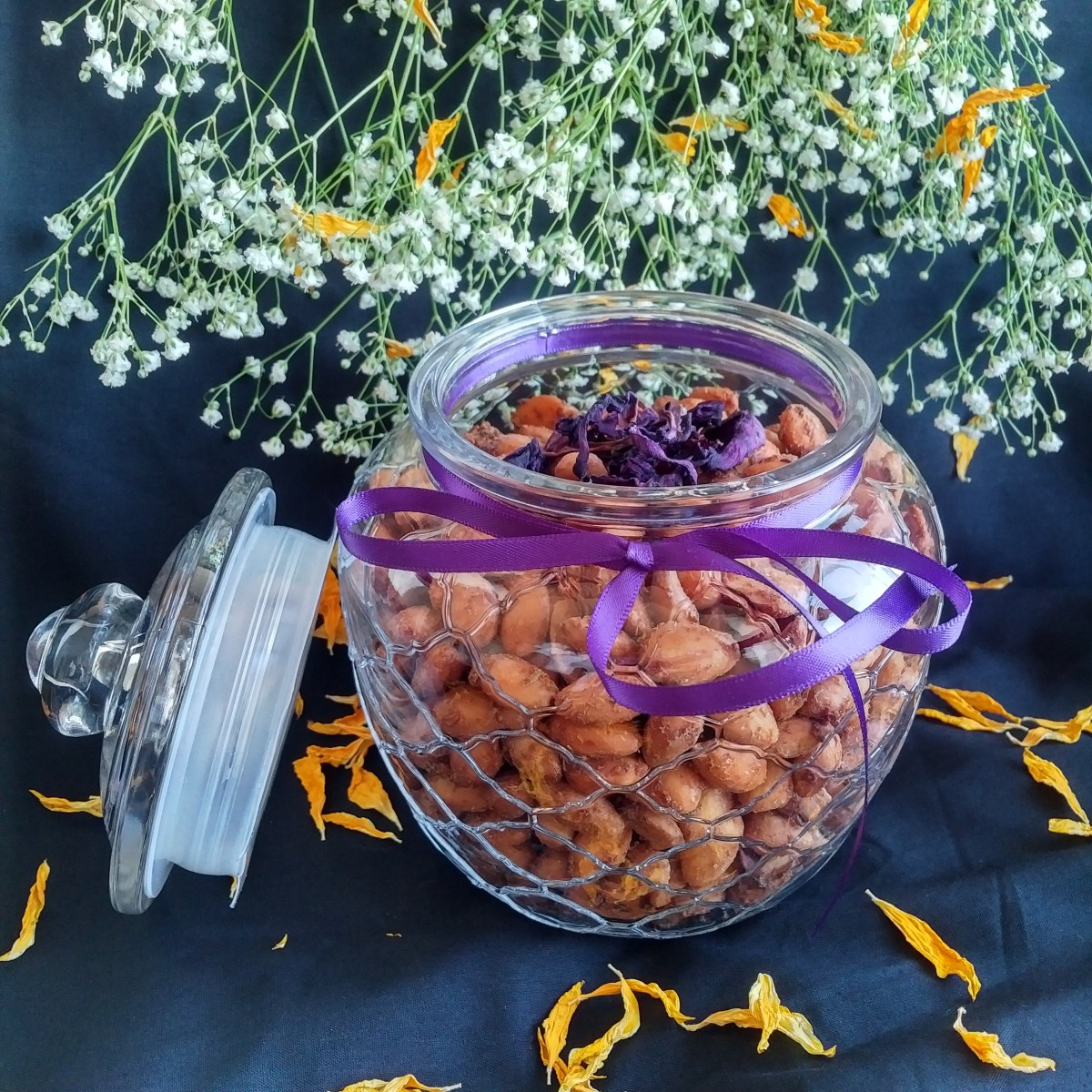 Miss Nang Savoury almonds