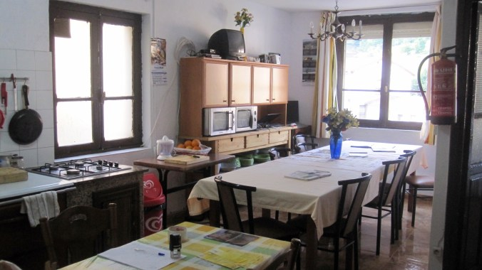Kitchen and eating room in the albergue
