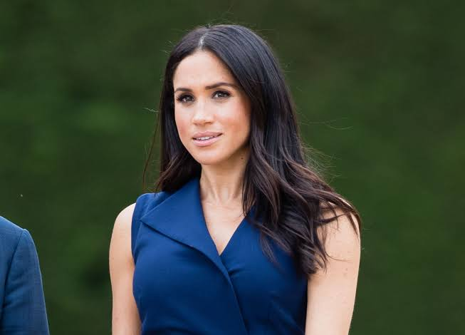 Meghan Markle stained mysteriously on her tights