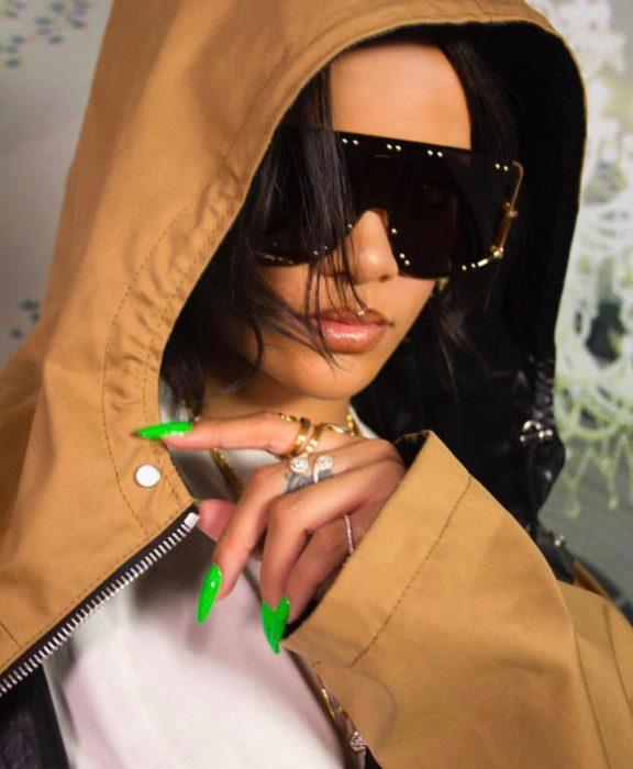Rihanna shares sultry photos