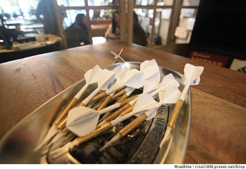 一粒麥子 台中桌遊 台中耶誕聚 台中桌遊店 一粒麥子桌遊 工業風 Dooopo 都品家居15