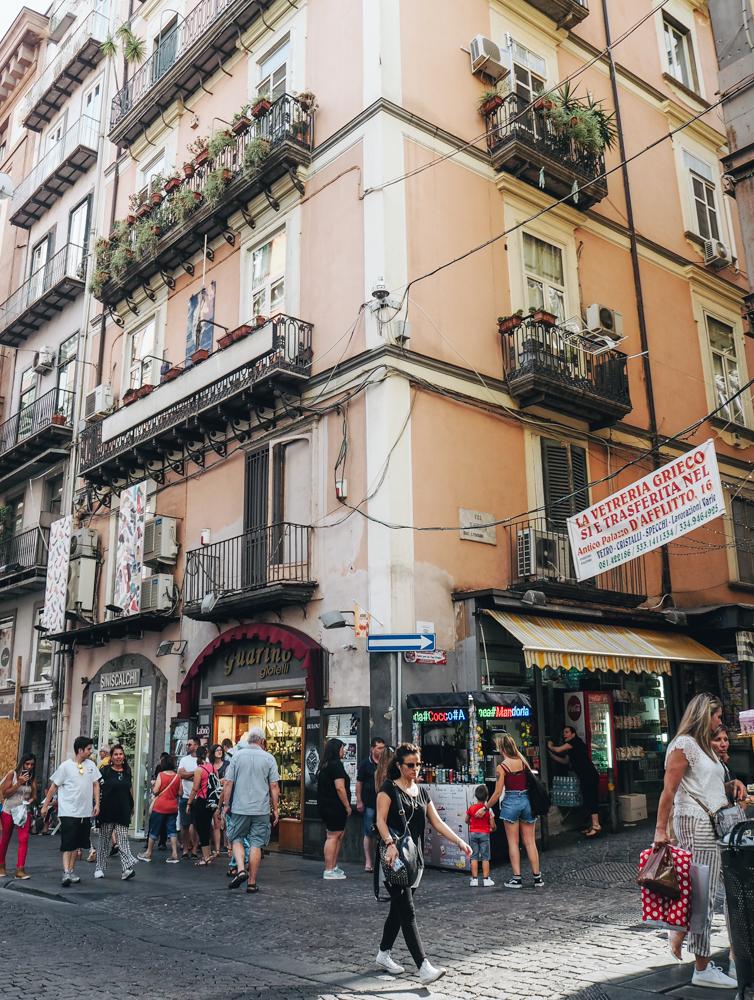 Via Toledo, Neapol