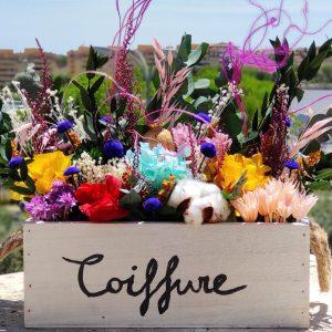 Centro de flores preservadas personalizado en caja de madera 2