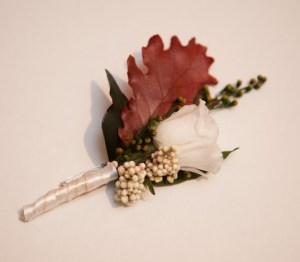 Bouttoniere de flores preservadas